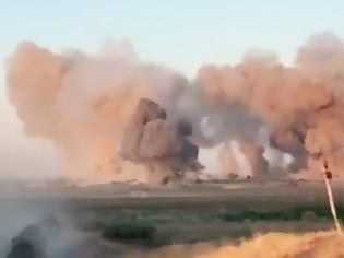 Φωτογραφία για Αμερικανικά βομβαρδιστικά σαρώνουν τζιχαντιστές με βόμβες 36 τόνων