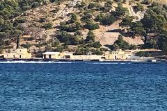 Λέρος: Σταδιακά αφαιρέθηκε το στρατιωτικό υλικό από τη ναυτική βάση