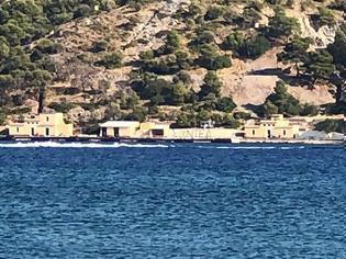 Φωτογραφία για Λέρος: Σταδιακά αφαιρέθηκε το στρατιωτικό υλικό από τη ναυτική βάση