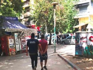 Φωτογραφία για Επιχείρηση της αστυνομίας στα Εξάρχεια: 11 προσαγωγές για ναρκωτικά