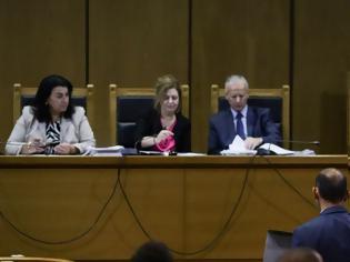 Φωτογραφία για Δίκη Χρυσής Αυγής: Αντιφάσεις από τον κατηγορούμενο ως πυρηνάρχη της ΧΑ στο Πέραμα