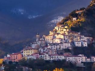 Φωτογραφία για Ιταλική περιφέρεια δίνει «μισθό» 700 ευρώ για να αυξήσει τον πληθυσμό της