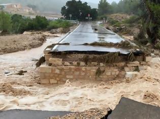 Φωτογραφία για Κατακλυσμός στην Ισπανία - Δύο νεκροί από τη σφοδρή κακοκαιρία