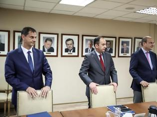Φωτογραφία για Με …εντολή Μητσοτάκη αποκαταστάθηκαν οι υπουργοί Οικονομικών