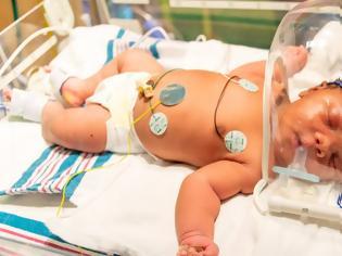 Φωτογραφία για Μωράκι γεννήθηκε στις 11/9, στις 9:11 και ζύγιζε 9,11 λίβρες!
