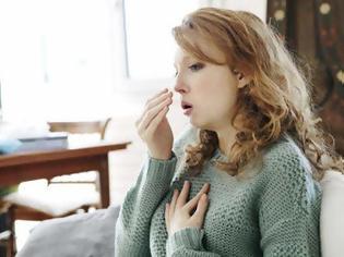 Φωτογραφία για Ξυπνάτε από τον βήχα; Πρέπει να ανησυχήσετε; Βότανα και ροφήματα