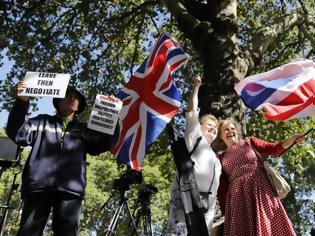 Φωτογραφία για Βρετανία: To «ψυχόδραμα» του brexit εκτοξεύει το κόμμα των Φιλελευθέρων Δημοκρατών