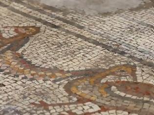 Φωτογραφία για Συγκλονιστική ανακάλυψη ψηφιδωτού 1500 ετών ξαναγράφει την ιστορία βιβλικού θαύματος του Ιησού (pics & vid)