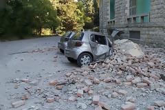 Σεισμός 5,6 Ρίχτερ στην Αλβανία: Κατέρρευσαν κτίρια