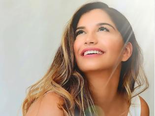Φωτογραφία για Ρόδος -Ζωή Μισέλ Μπακίρη: Η 19χρονη φοιτήτρια Ιατρικής που πήγε στο X-Factor και ψάχνουν όλοι στο YouTube