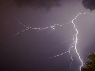 Φωτογραφία για Απολογισμός κακοκαιρίας: 16.000 κεραυνοί, βροχή έως 108 χιλιοστά, δύο ανεμοστρόβιλοι και τρεις υδροσίφωνες