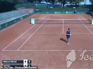 Φωτογραφία για Σάλος με διαιτητή τένις για «καμάκι» που έκανε σε 16χρονη κατά τη διάρκεια αγώνα
