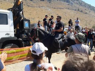 Φωτογραφία για Εντυπωσιακός ο Δημήτρης Φερεντίνος απο τη Βόνιτσα, πήρε την 1η θέση στους αγώνες Γεωργαλίδικων αλόγων, στο Ρέθυμνο Κρήτης