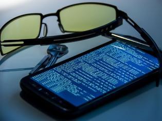 Φωτογραφία για Προσοχή: Αν δεις αυτά τα συμπτώματα το κινητό σου παρακολουθείται