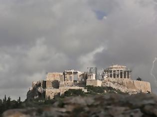 Φωτογραφία για 27.000 κεραυνοί την Παρασκευή - Στους 12 βαθμούς η θερμοκρασία στη Φλώρινα, στους 38 στην Κρήτη!