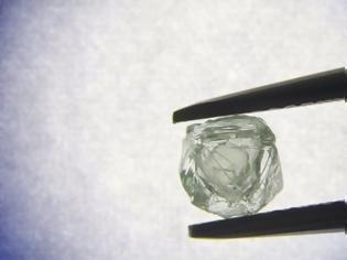 Φωτογραφία για Διπλό διαμάντι-μήτρα, ηλικίας άνω των 800 εκατομμυρίων ετών