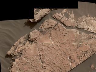 Φωτογραφία για NASA: Το Curiosity ανακάλυψε αρχαία λίμνη με «ασυνήθιστα άλατα» στον Άρη