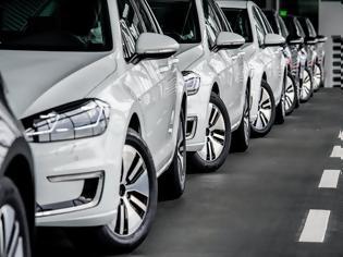 Φωτογραφία για Τι αλλάζει στις τιμές πώλησης των αυτοκινήτων – Ποια η νέα κλίμακα τελών ταξινόμησης