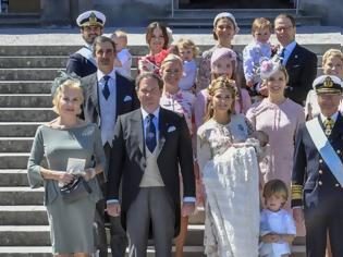Φωτογραφία για Δύσκολοι καιροί για... μικρούς πρίγκιπες: Ο βασιλιάς της Σουηδίας αφαίρεσε τον τίτλο από 5 εγγόνια του