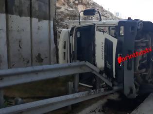 Φωτογραφία για Μέγαρα: Ανετράπη φορτηγό στην Αθηνών - Κορίνθου