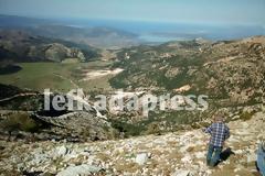 ΠΕΡΓΑΝΤΙ: Ελικόπτερο της πολεμικής αεροπορίας παρέλαβε κυνηγό που είχε πέσει σε χαράδρα
