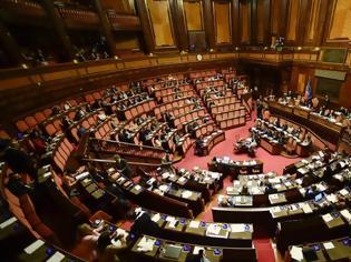 Φωτογραφία για Ιταλία: Ενθουσιασμός, αλλά και φωνές, από την απόφαση για μείωση στον αριθμό βουλευτών