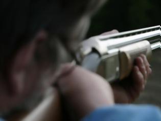 Φωτογραφία για Αγρίνιο: πυροβόλησε για να φοβερίσει τον αδερφό του