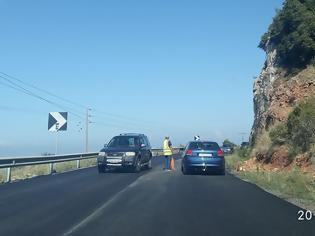 Φωτογραφία για ΝΩΝΤΑΣ ΝΙΚΑΚΗΣ: Πέφτει άσφαλτος σε τμήματα του δρόμου Βόνιτσας– Λευκάδας  [ΦΩΤΟ/ΒΙΝΤΕΟ]