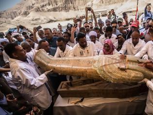 Φωτογραφία για Κρύπτη στο Λούξορ έβγαλε θησαυρό: 30 σαρκοφάγους τριών χιλιάδων ετών!