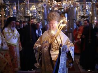 Φωτογραφία για 12628 - Η Θεία Λειτουργία ιερουργούντος του Οικουμενικού Πατριάρχη στην Αθωνική Πολιτεία- Στιγμές κατάνυξης και ψυχικής αγαλλίασης (φωτογραφίες)