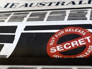Φωτογραφία για Αυστραλία: Γιατί κυκλοφόρησαν σήμερα μεγάλες εφημερίδες με «μαυρισμένα» πρωτοσέλιδα;