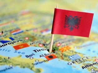 Φωτογραφία για Πάνω από μισό εκατ. οι Αλβανοί μετανάστες σε χώρες της ΕΕ την τελευταία δεκαετία