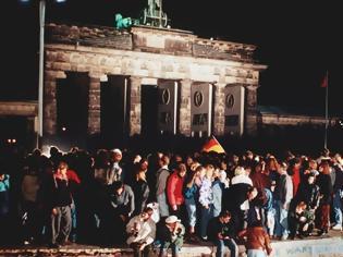 Φωτογραφία για Νοέμβριος 1989 - Νοέμβριος 2019: 30 χρόνια από την πτώση του Τείχους του Βερολίνου