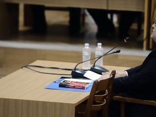 Φωτογραφία για Δίκη Χρυσής Αυγής: Ο Μιχαλολιάκος δηλώνει αθώος και μιλά για πολιτική σκευωρία