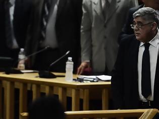 Φωτογραφία για Δίκη Χρυσής Αυγής: Ένταση στην απολογία του Μιχαλολιάκου