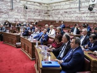 Φωτογραφία για Επιτροπή Αναθεώρησης: Ανέβηκαν οι τόνοι με αιχμή την επιστολή Τσίπρα
