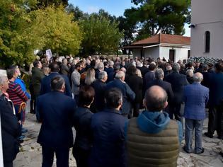 """Φωτογραφία για ΠΡΕΒΕΖΑ: Πλήθος κόσμου στο τελευταίο """"αντίο"""" στον Περικλή Βασιλάκη (ΦΩΤΟ)"""
