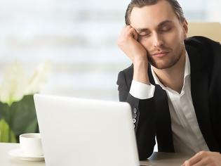 Φωτογραφία για Υπνηλία: Να γιατί κλείνουν τα μάτια μας στη διάρκεια της ημέρας