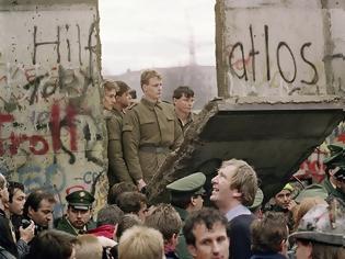 Φωτογραφία για Γερμανία: 30 χρόνια από την πτώση του Τείχους του Βερολίνου