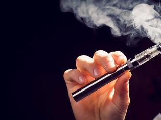 Φωτογραφία για ΗΠΑ: Αλλαγές στην ηλικία νόμιμης χρήσης του ηλεκτρονικού τσιγάρου – Αυξάνεται στα 21