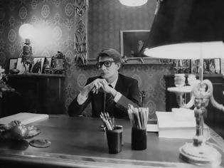 Φωτογραφία για Το YSL ντοκιμαντέρ, που είχε απαγορευτεί η κυκλοφορία του, βγαίνει στις αίθουσες μετά από 18 χρόνια  Τον παρακολουθούσε κάμερα για 3 χρόνια.