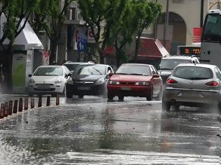 Φωτογραφία για Η «Βικτώρια» κυκλώνει την Ελλάδα - Καταιγίδες, χαλάζι και 10 μποφόρ