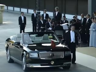 Φωτογραφία για Toyota Century Convertible: Το αυτοκίνητο του αυτοκράτορα Naruhito (+video)
