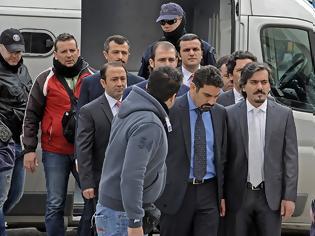 Φωτογραφία για «Επιχείρηση Αστραπή» για τους 8 Τούρκους