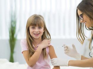 Φωτογραφία για Ιλαρά: Πρόστιμο 2.500 ευρώ για τους γονείς που δεν εμβολιάζουν τα παιδιά τους στη Γερμανία