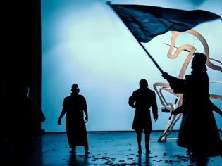 Φωτογραφία για Πρεμιέρα απόψε για το Πόλεμος & Ειρήνη, στο Δημοτικό Θέατρο Πειραιά