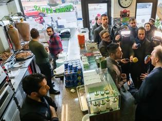 Φωτογραφία για Χάλε: Ο ιδιοκτήτης του εστιατορίου που έγινε στόχος επίθεσης, το δώρισε σε υπαλλήλους του