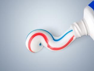 Φωτογραφία για Πόσο επικίνδυνες είναι οι οδοντόκρεμες που περιέχουν φθόριο;