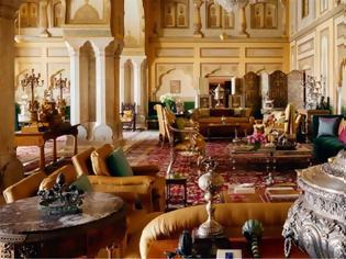 Φωτογραφία για Ινδία: Η βασιλική οικογένεια του Τζαϊπούρ νοικιάζει μέσω Airbnb σουίτα του παλατιού της