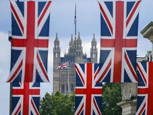 Φωτογραφία για Με ηλεκτρονική άδεια και διαβατήριο η είσοδος στη Βρετανία μετά το Brexit